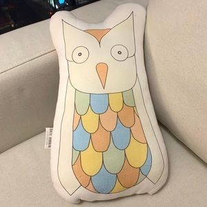 Adorable hand made Owl Accent Pillow 🦉— NYC